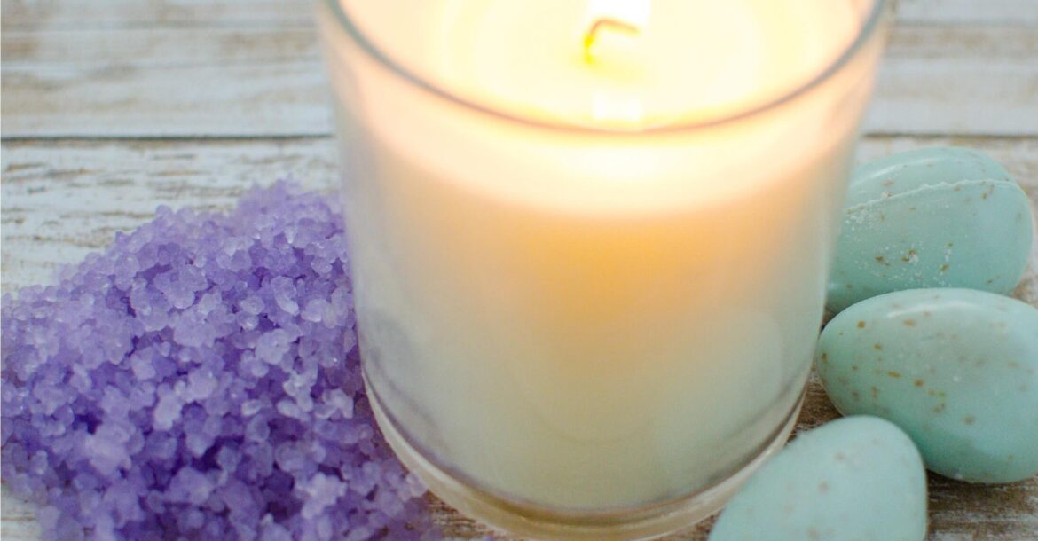 spa-day-with-scented-candle-bath-salts-and-bath-bomb-to-relax